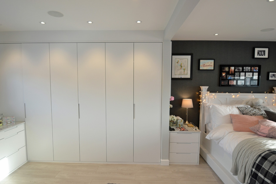 Modern custom built wardrobe