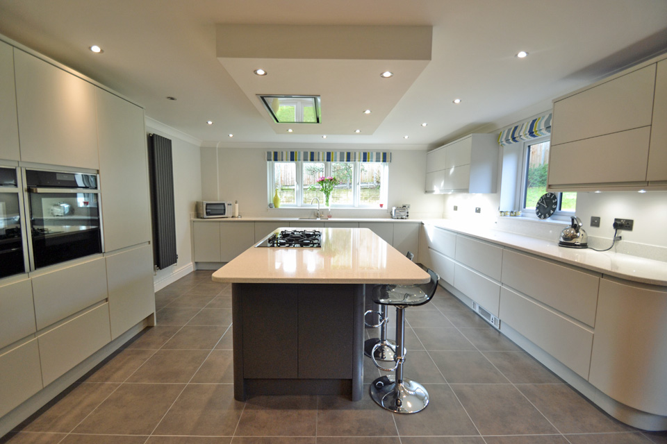 Modern kitchen in woodbridge